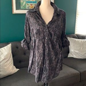 Black floral lace patterned tunic